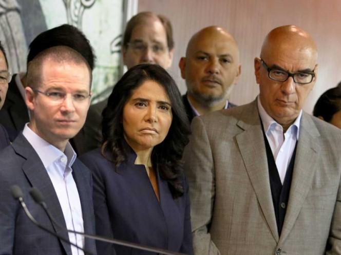 De izq. a der.: Ricardo Anaya (PAN), Alejandra Barrales (PRD) y Dante Delgado (MC), líderes del Frente Ciudadano por México.