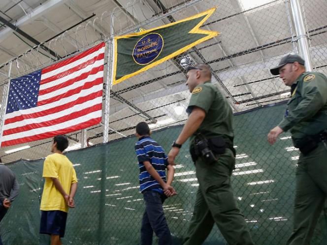 Exigen liberar a niña con parálisis cerebral detenida por patrulla fronteriza