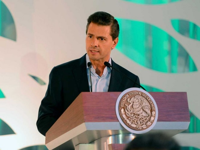 Peña Nieto entrega Terminal 4 del Aeropuerto Internacional de Cancún