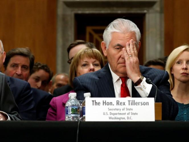 Trump cuestiona si mantendrá a Tillerson como jefe diplomático