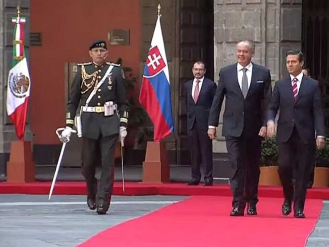 Llega Presidente de Eslovaquia a México