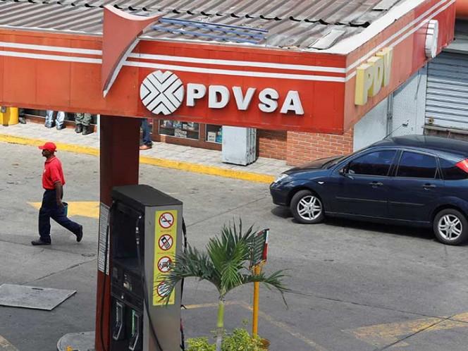 Maduro nombra al general Quevado como presidente de PDVSA
