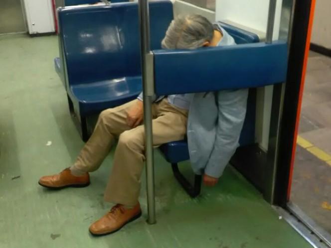 Hombre fallece en metro Pantitlán y continuó viajando