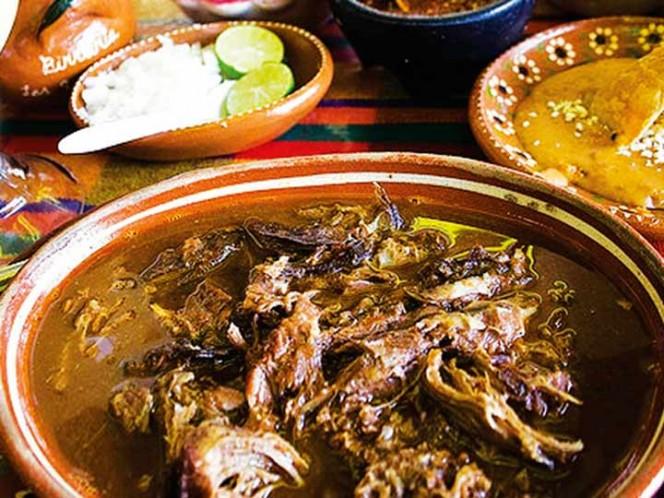 Tacos y botanas, lo que comen mexicanos los días de quincena