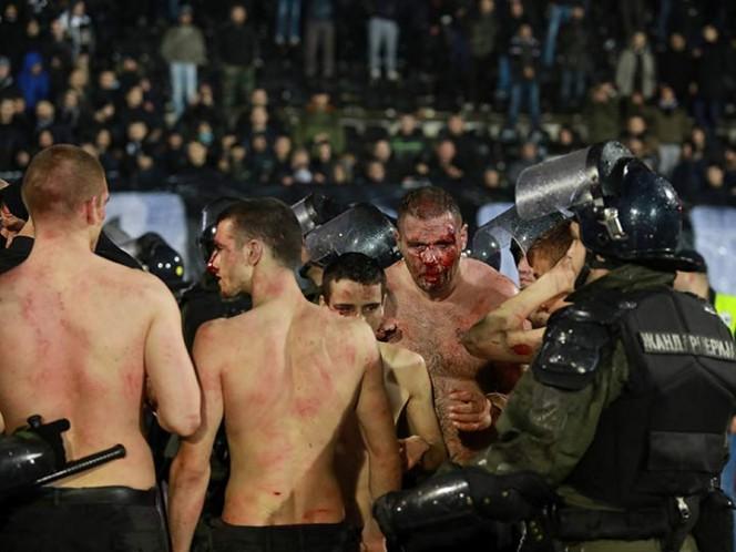 Pelea entre aficionados deja 26 detenidos