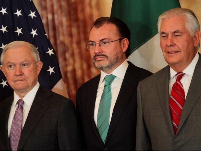 Videgaray y Tillerson abordan estrategia de combate al narco