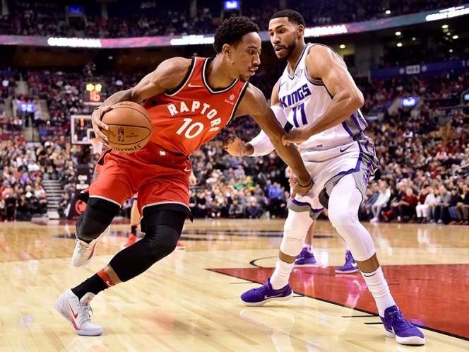 Toronto mejoró a un récord de 11-4 ante oponentes de la Conferencia del Oeste. DeMar DeRozan anotó 21 puntos (AP)