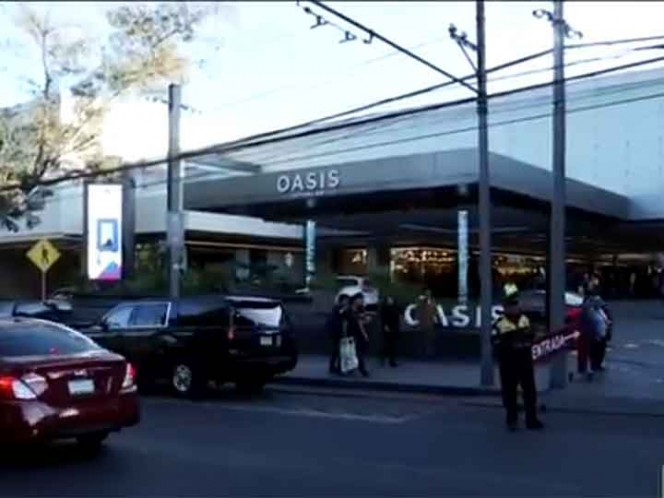Secuestran a 4 niños en cine de plaza comercial