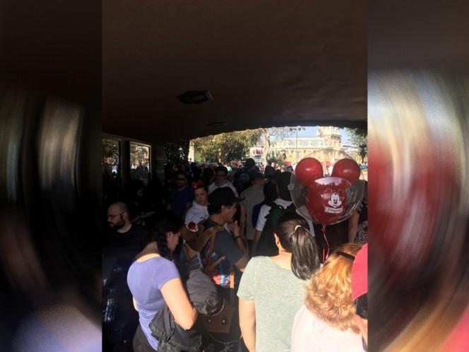 Apagón en Disneylandia dejó personas atrapadas en los juegos