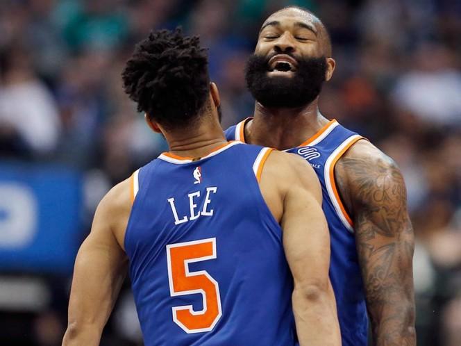 Los Knicks lograron anoche su primera victoria en 2018; habían perdido sus tres duelos previos en el nuevo año (AP)