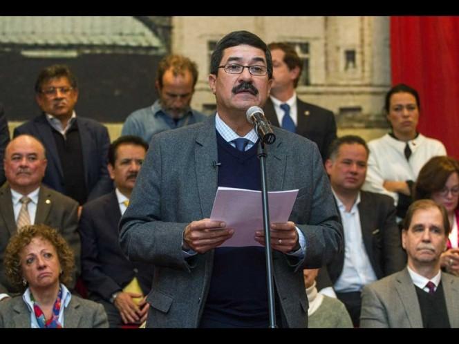 Acusa gobernador de Chihuahua
