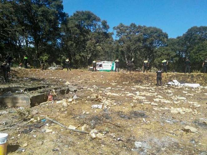 Una persona perdió la vida en la explosión de un taller clandestino de pirotecnia, localizado en el municipio de Tultepec.