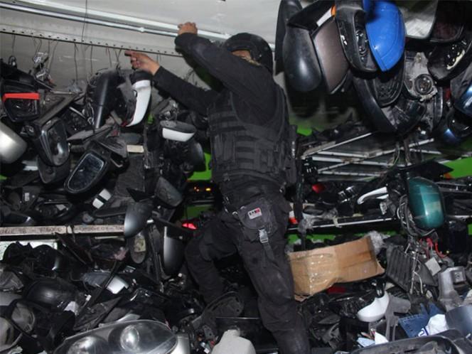 La Secretaría de Seguridad Pública (SSP-CDMX) decomisó siete toneladas de autopartes presuntamente robadas, en negocios de la colonia Buenos Aires.