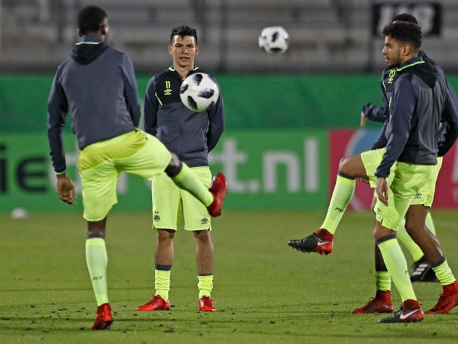 Lozano ingresó en la segunda parte y anotó en la tanda de penales para colaborar en la victoria del PSV (Foto: @PSV)