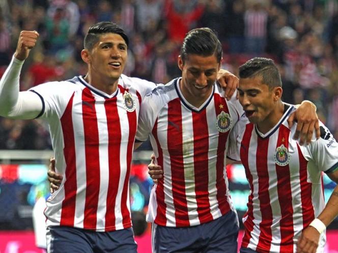 Chivas se puso en ventaja con un gol de Cisneros en la primera parte (Mexsport)