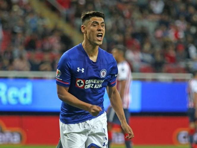 Felipe Mora convirtió el penal en gol y consiguió el empate