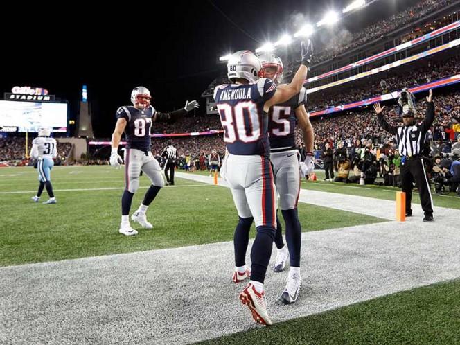 Los Patriotas aplastaron 35-14 a los Titanes con tres pases de anotación de Tom Brady. Esperan rival: Jacksonville o Pittsburgh (Reuters)