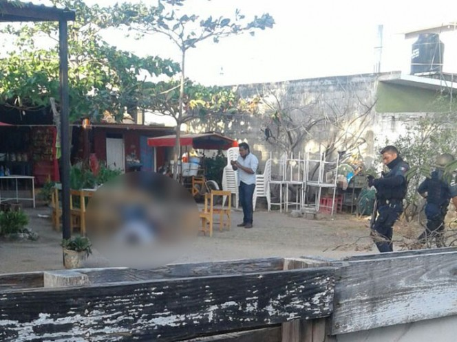 Niños de Juchitán reciben clases en calles por afectaciones del sismo