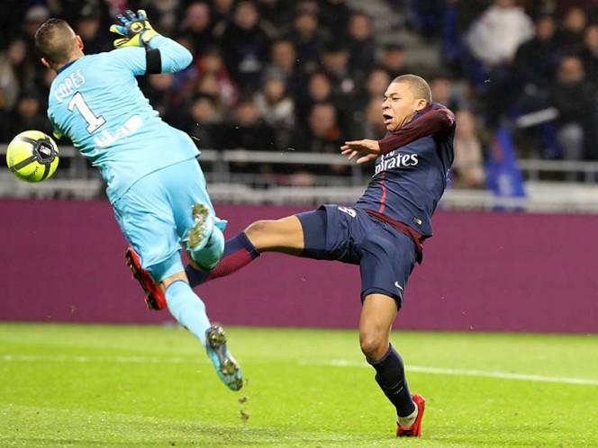 Así se dio el golpe de Lopes sobre el atacante francés del PSG