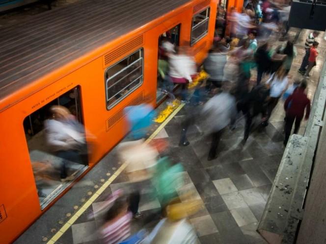 Sujeto se arroja al paso del Metro en la estación La Viga
