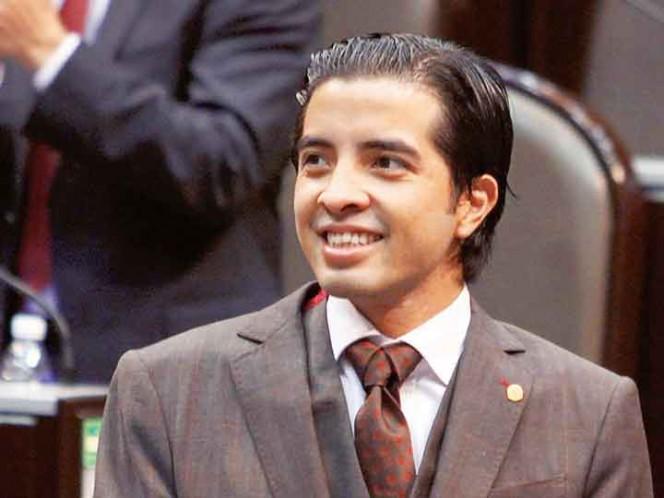 Respaldo. El exdiputado federal de Panal, Rene Fujiwara Montelongo, escribió en redes sociales su respaldo a AMLO. Foto: Cuartoscuro/Archivo