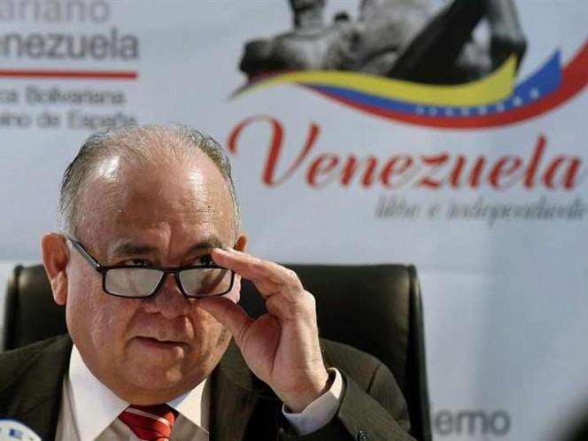 El embajador de Venezuela en España, Mario Isea, fue declarado persona non grata.