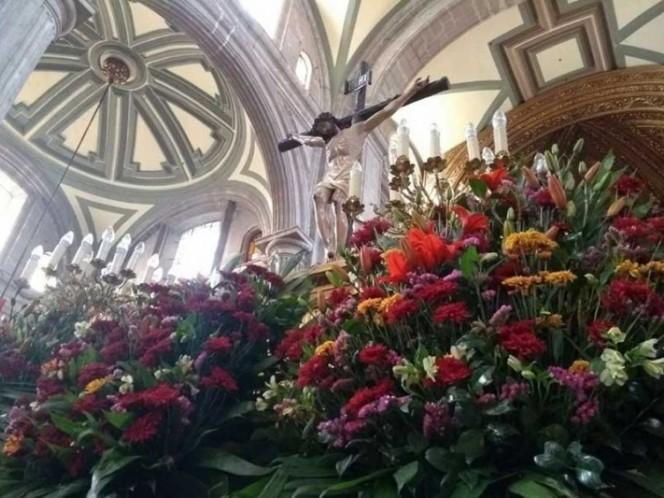 Oficia cardenal Norberto Rivera su última misa en la Catedral