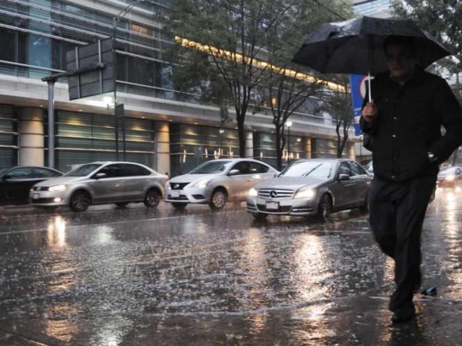 Reportan fuertes lluvias con granizo en Xochimilco y Tlalpan