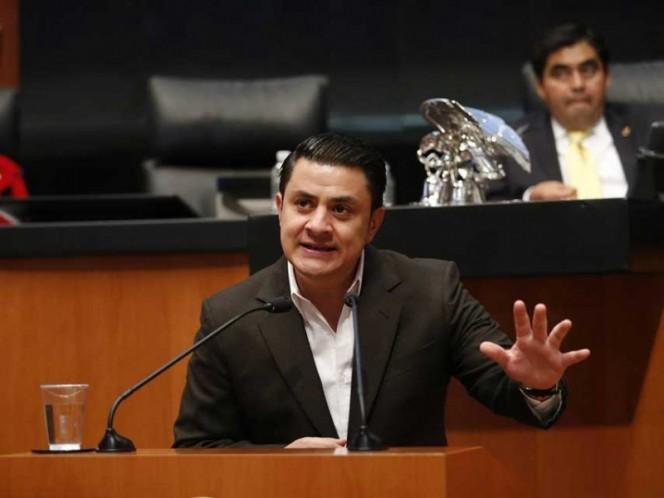 Senador 'Chema' Martínez también renuncia al PAN