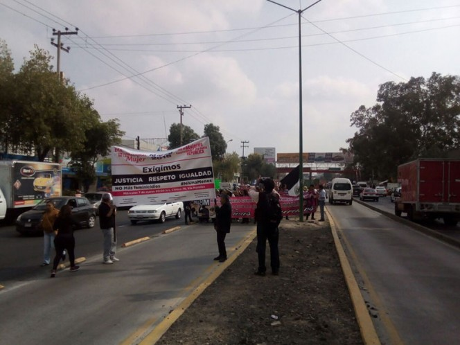 Marchan para exigir alto a feminicidios en Ecatepec