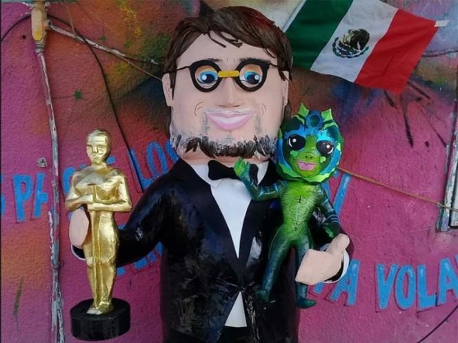 Crean piñata de Guillermo del Toro