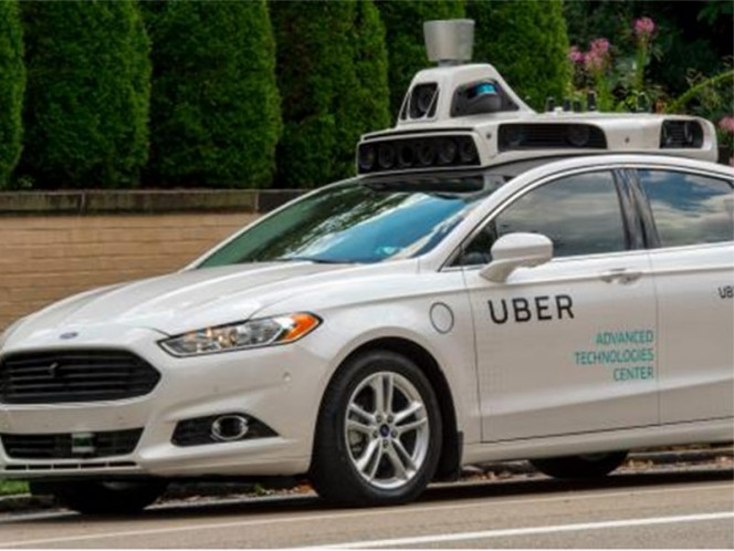 Un vehículo autónomo de Uber atropelló y mató a una mujer
