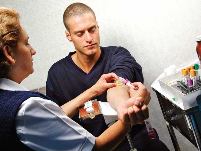 Vea cómo prevenir y detectar el cáncer de colón a tiempo