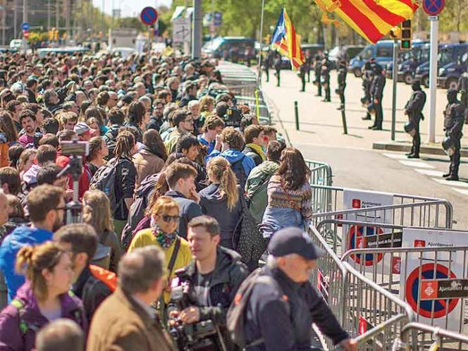 Parlamento catalán denunciará a juez por no excarcelar a Sánchez