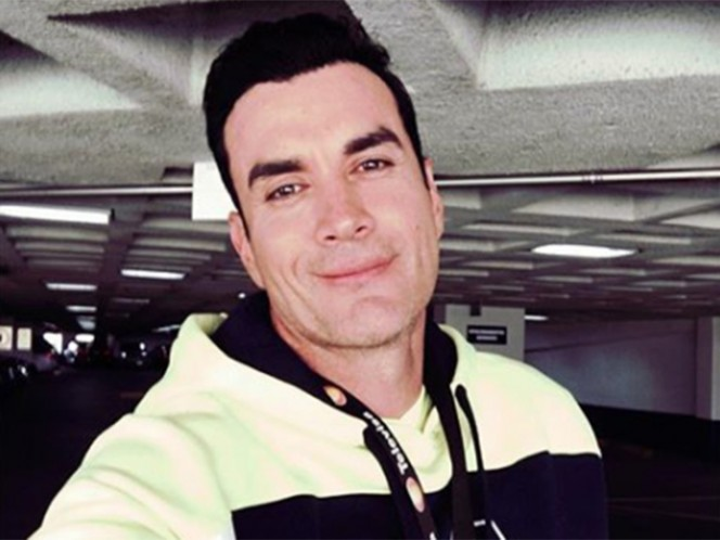 Asaltan a David Zepeda a bordo de su automóvil