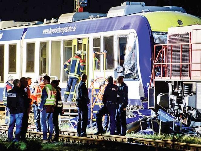 Alemania: dos muertos y 14 heridos en choque entre dos trenes