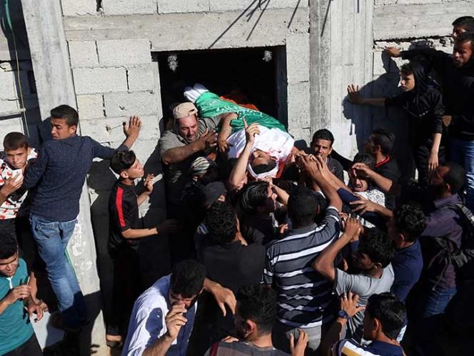 Suman 60 muertos en Gaza por represión israelí, y se temen más disturbios