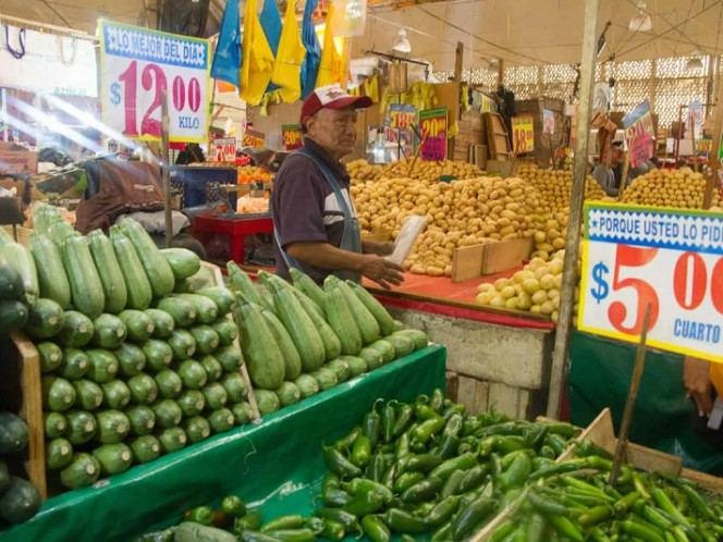 El índice de precios al consumidor (IPC) en México cayó 0.16% en mayo frente al mes anterior, por lo que la inflación acumulada en los últimos 12 meses quedó en 4.51%