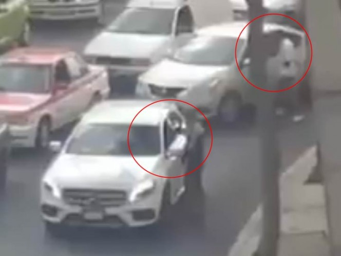 Captan asalto a automovilistas cerca de Metro Observatorio