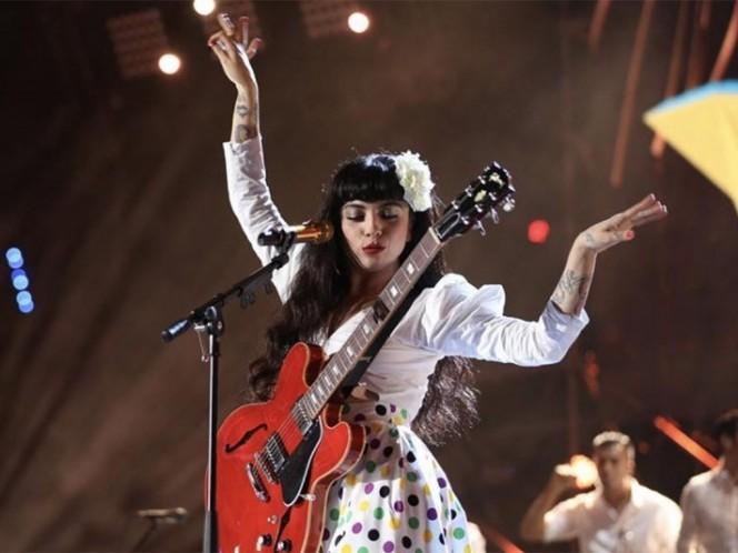Mon Laferte arrasa en premios a lo mejor de la música chilena
