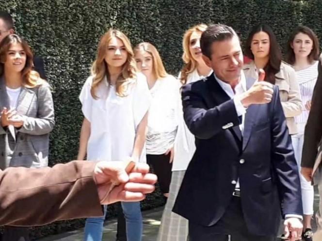 AMLO se prepara para la reunión con Peña Nieto