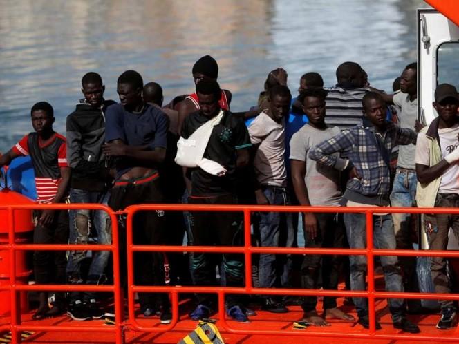 Papa pide evitar el naufragio de refugiados en el Mediterráneo
