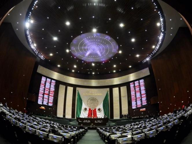 Morena propone reducir a la mitad el financiamiento a partidos políticos