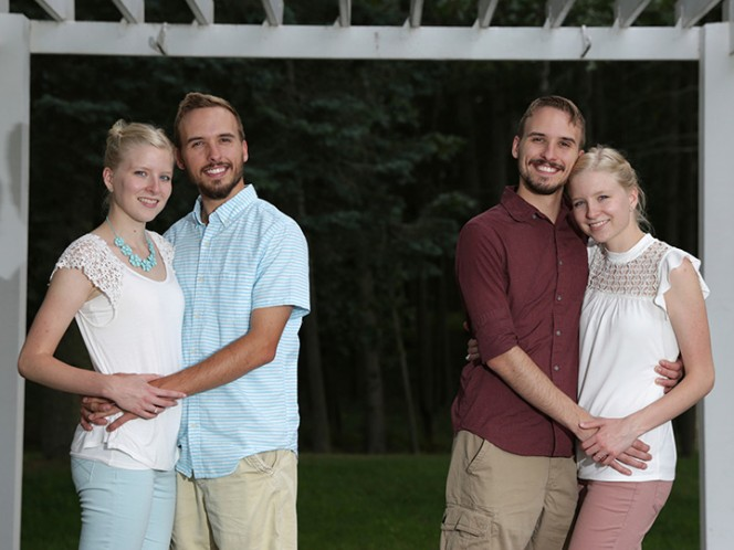 Parejas de gemelos vivirán juntos después de casarse este fin de semana