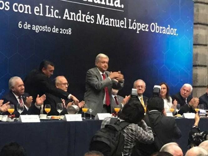 López Obrador: 'Nadie nos amenazará con construir un muro en la frontera'