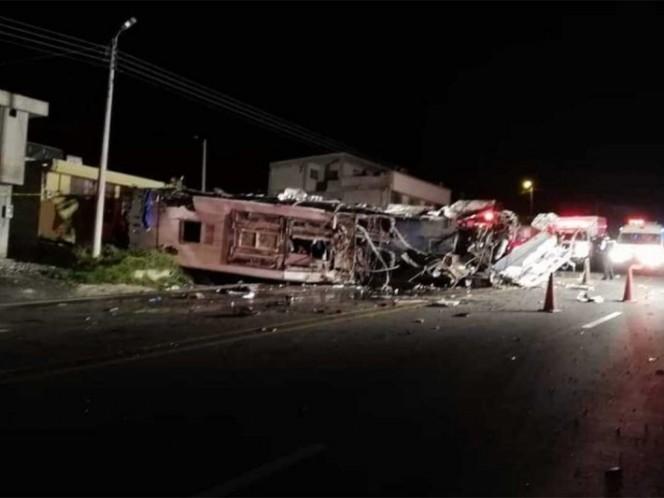 Colombianos y venezolanos entre los muertos en accidente de bus en Ecuador