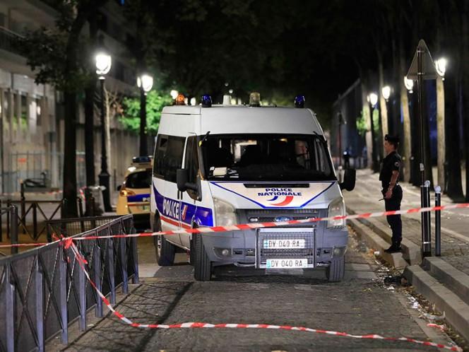 Hombre ataca con cuchillo a siete personas en Paris