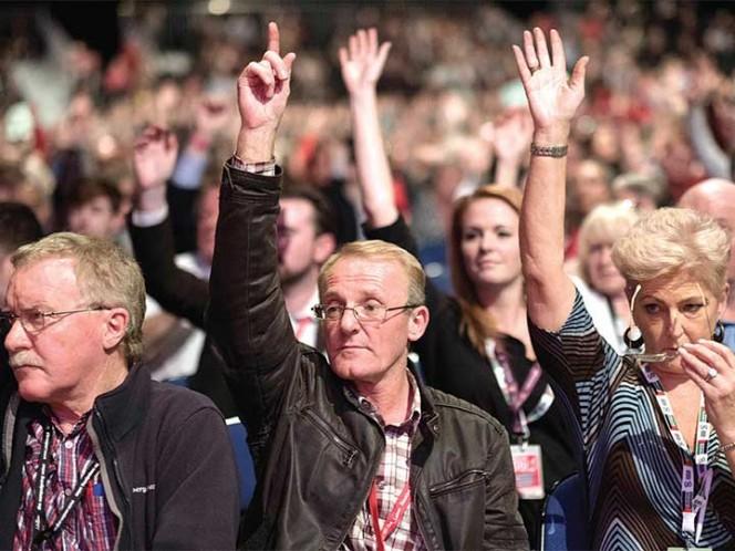 Laboristas abren posibilidad de otro referéndum