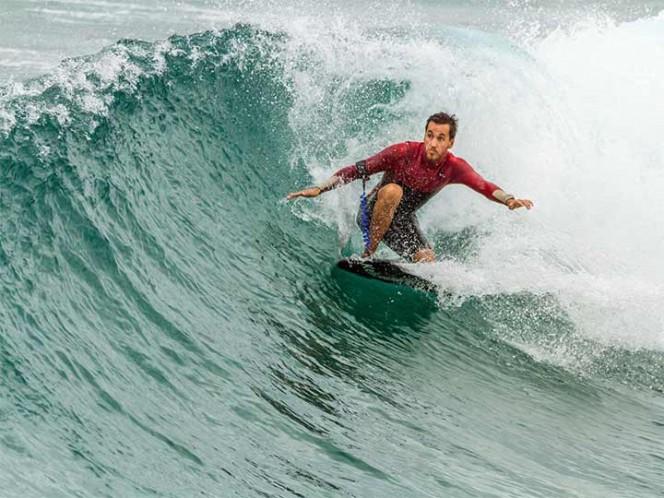 Surfista muere por ameba 'comecerebros' de alberca de olas