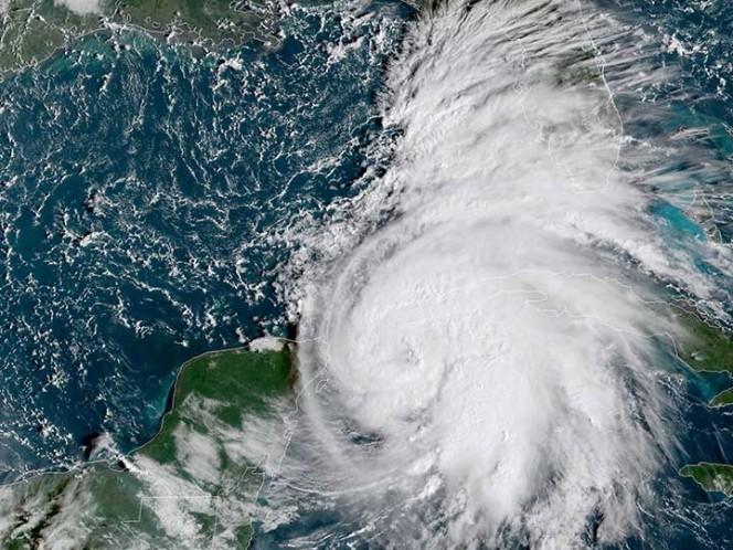 El huracán Michael avanza a más de 160 kilómetros hacia Florida
